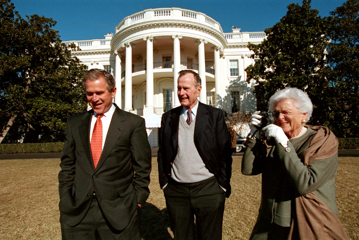 South Lawn. Jan. 28, 2001 : President George W. Bush : Welcome to Eric Draper Photography -  Commercial, Editorial, Weddings